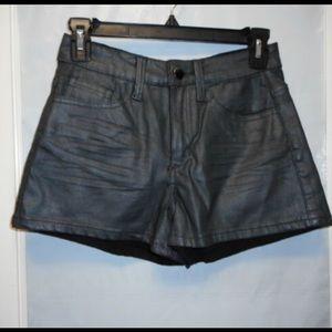 Gianni Bini Black Metallic shorts (size L)